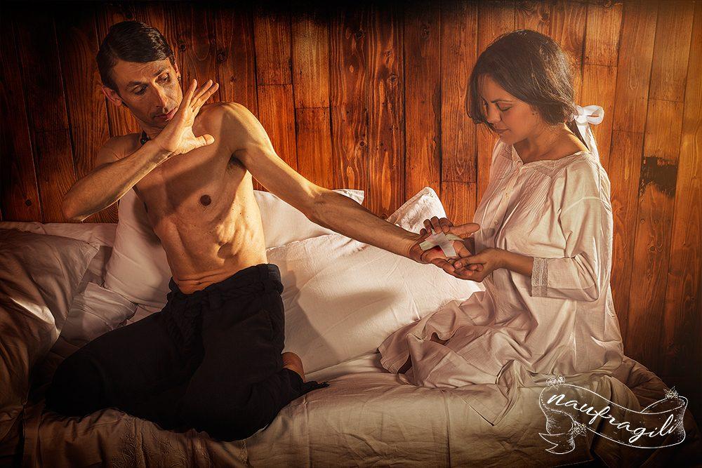 Il fachiro il coraggio dietro il tendone ©DanieleTedeschi - Naufragili