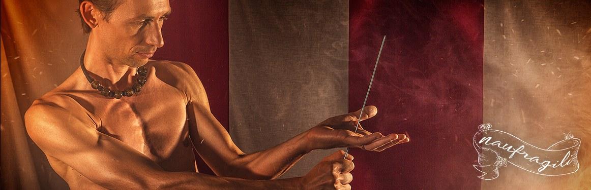 il fachiro coraggio dietro il tendone ©DanieleTedeschi